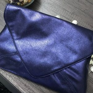 Handbags - Beautiful Purple Metallic Clutch